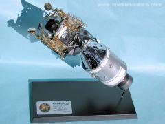 1//72 scale Apollo 13 CSMOdyssey and LMAquarius model kit by Dragon